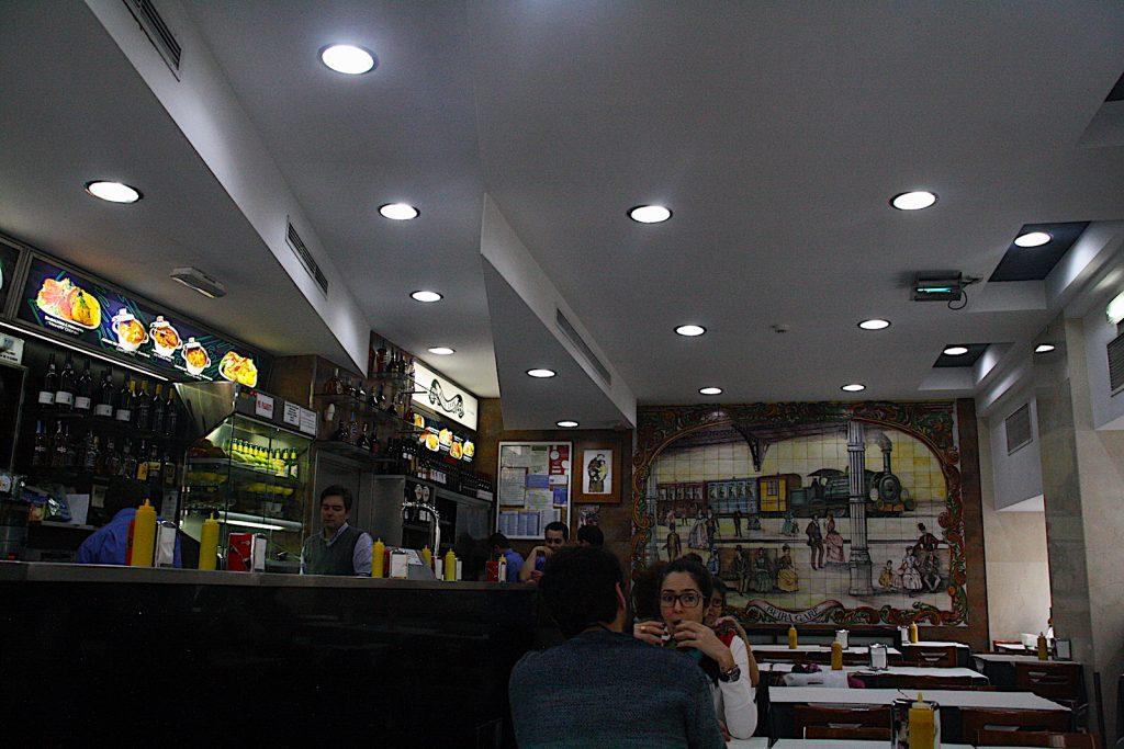 Beira Gare binnenin