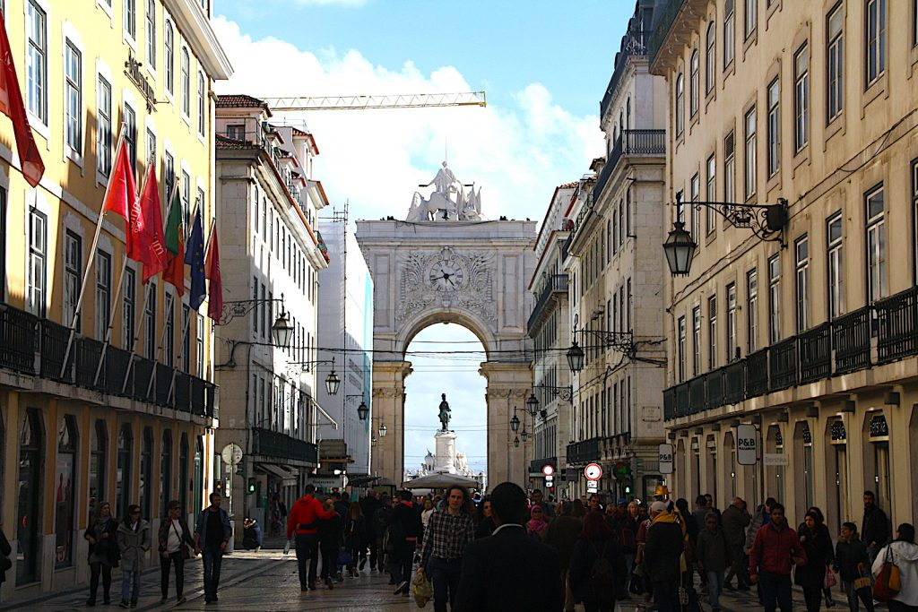 Rua Augusta facing the Tagus river