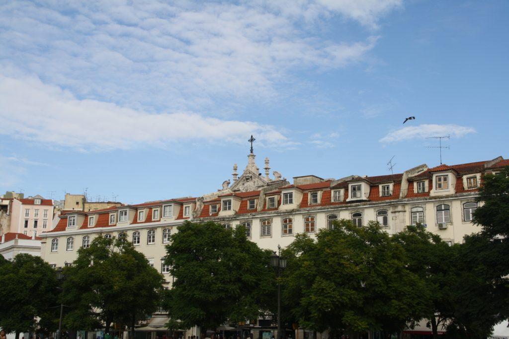 Rossio plein, Lissabon oostzijde