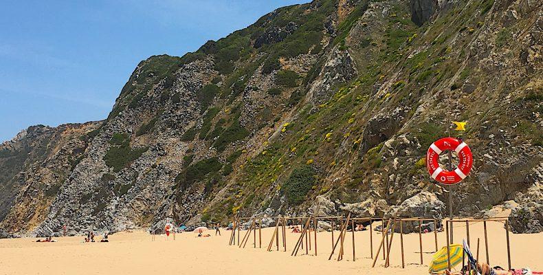 Praia da adraga reddingsboei