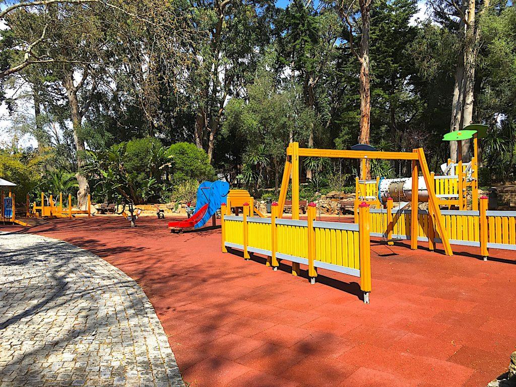 Parque Marechal Carmona - grotere speeltuin