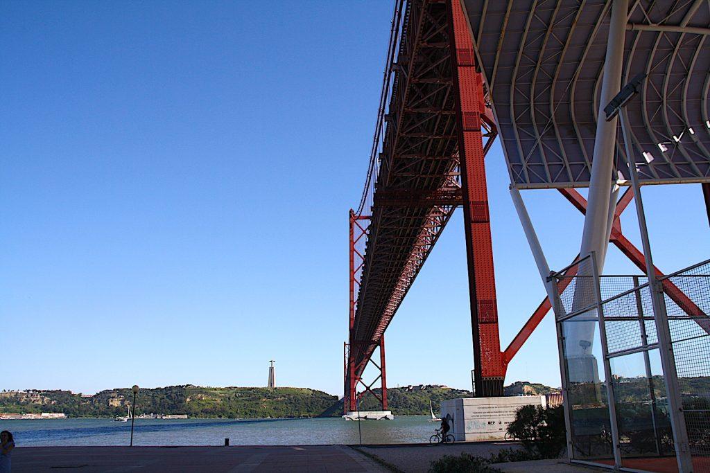 Ponte25abril onderkant