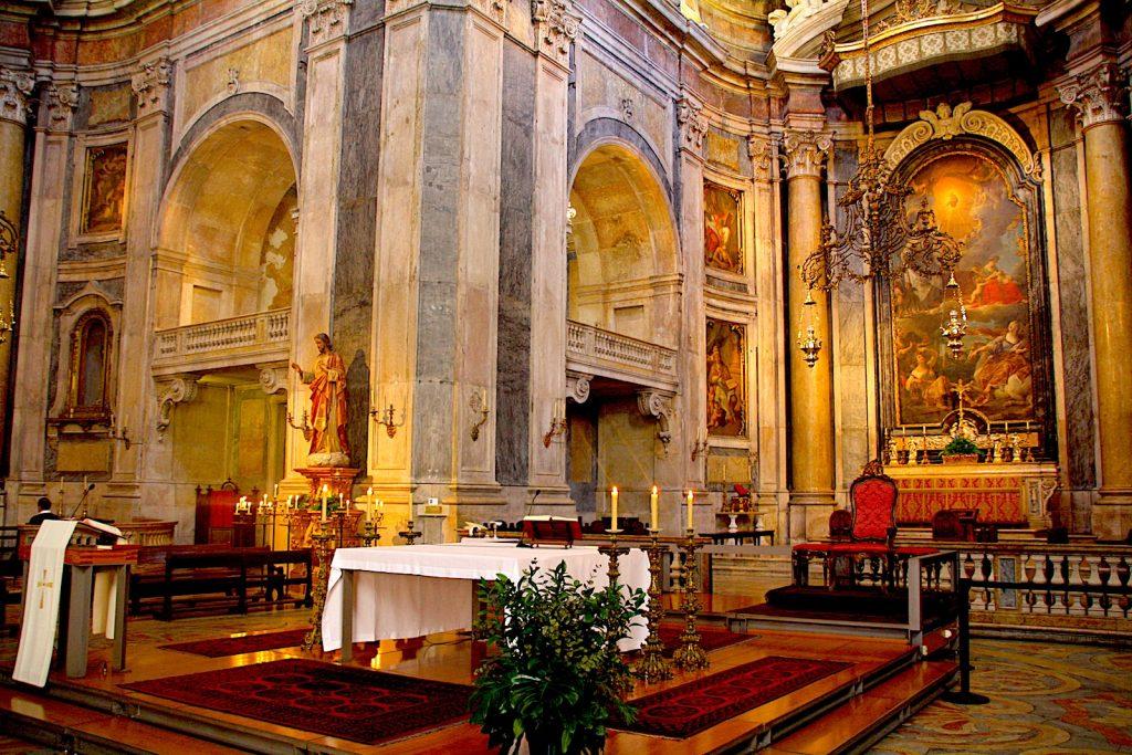 Interieur van de Basílica da Estrela, Lissabon