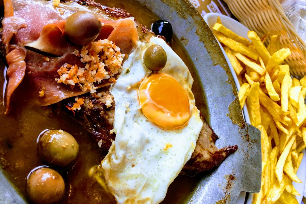Bife a Portuguesa bij restaurant Prego D'Pescador. Lissabon