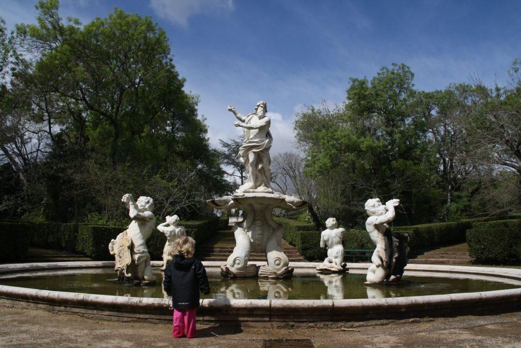 Palácio National de Queluz met kinderen