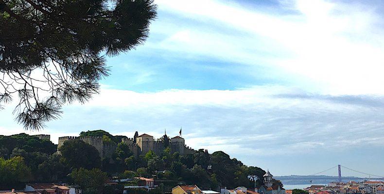 miradouro da graca uitzicht brug en castelo