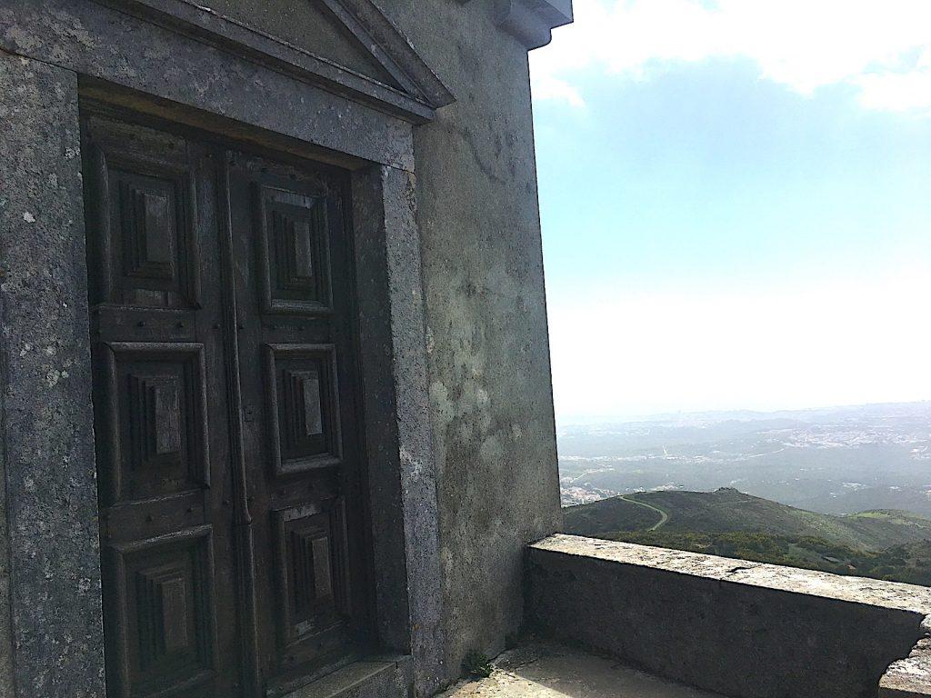Convento da Peninha - deur van paleis