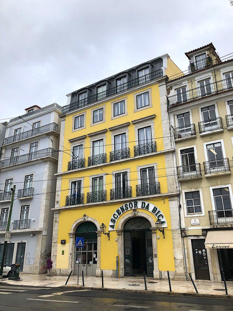 Ascensor da Bica ingang cais de sodre goed