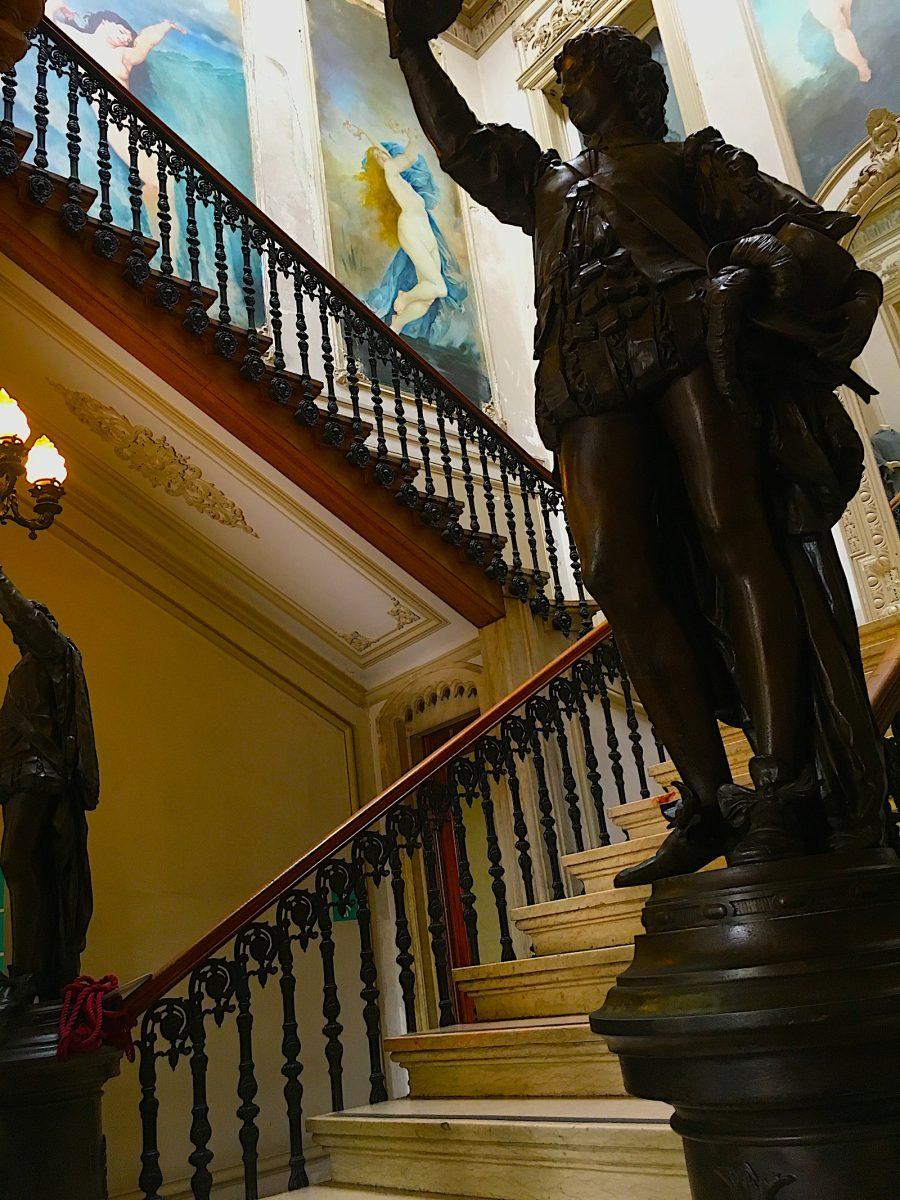 Embaixada trappenhuis