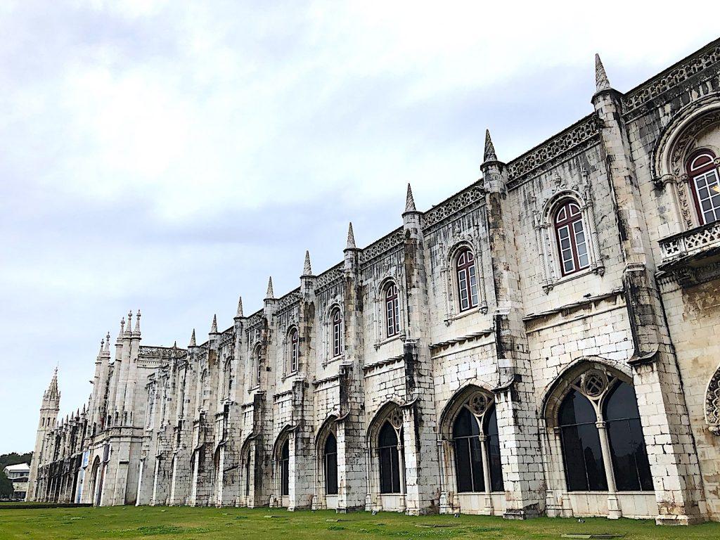Mosteiro dos Jerónimos voorkant lang