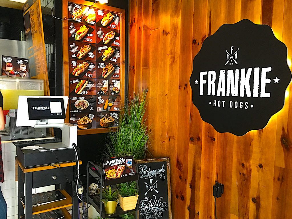 Frankie kassa en menu