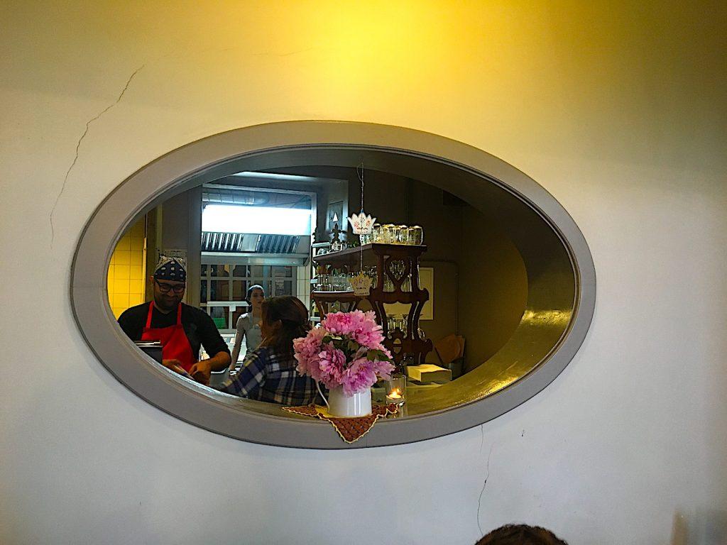 Cafe Saudade kijkje in de keuken