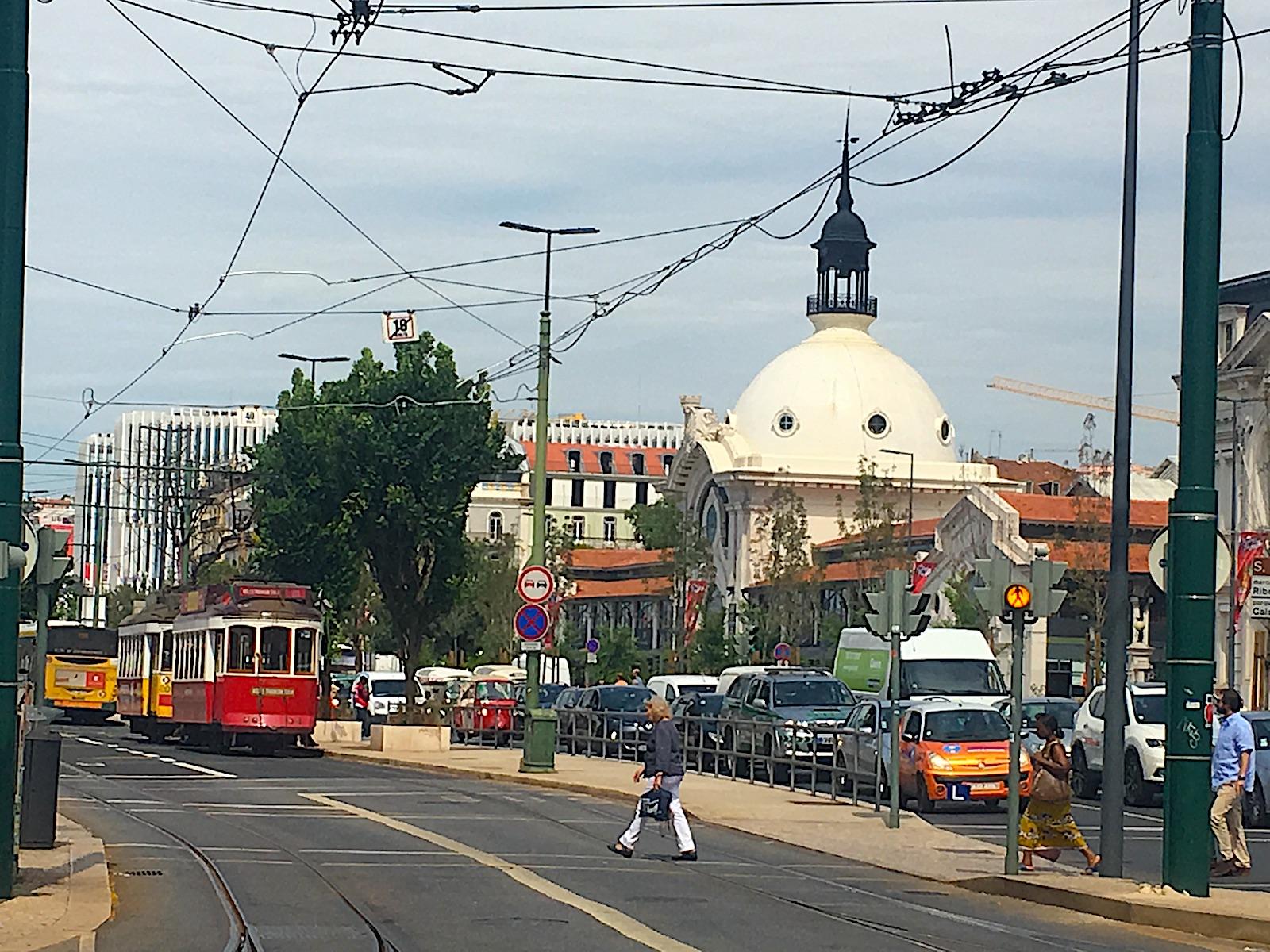 Caisdosodre voor het station