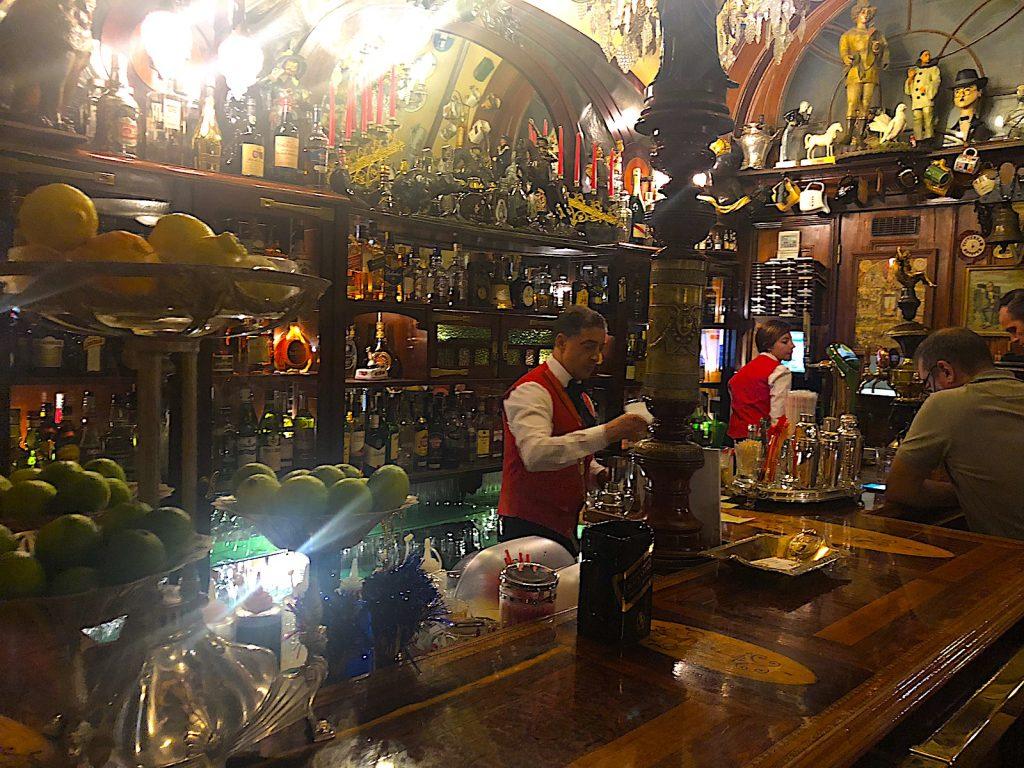 Pavilhão Chinês barman