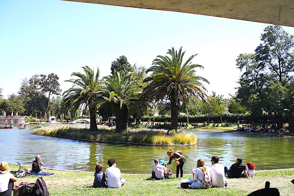 Jardim Campo Grande - mensen die zitten