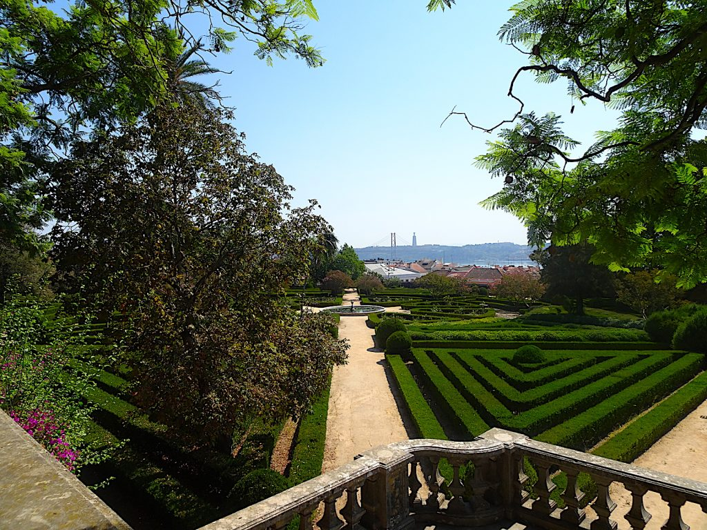 Jardim Botánico de Ajuda - uitzicht brug