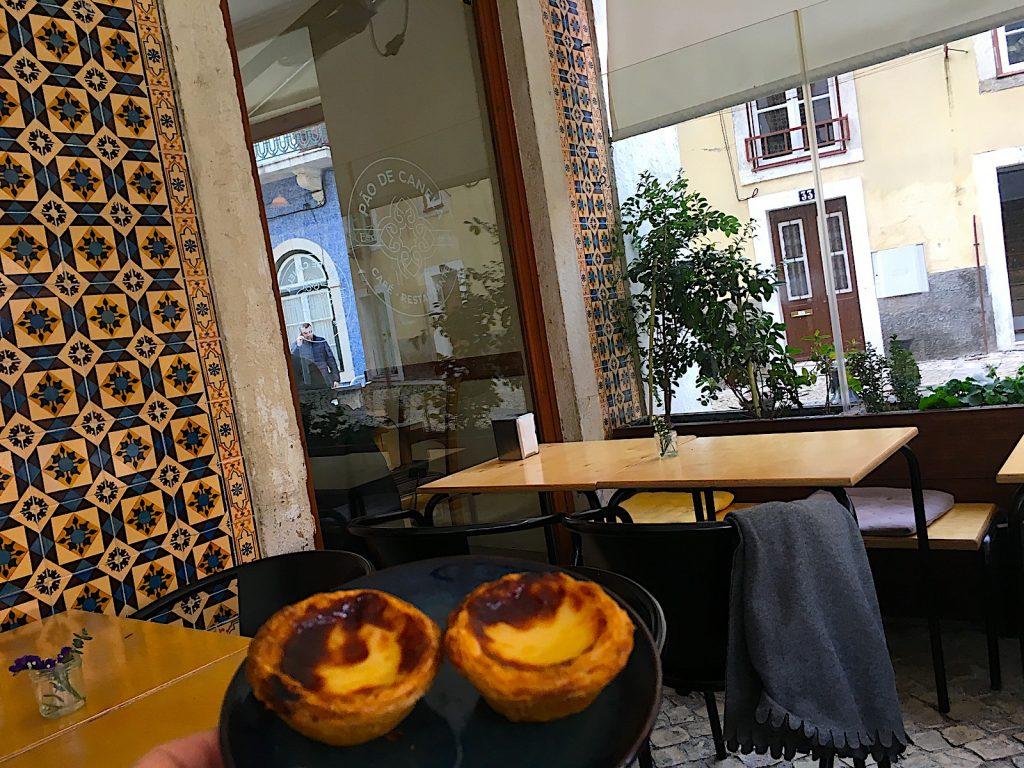 Café Pão de Canela pasteis de nata