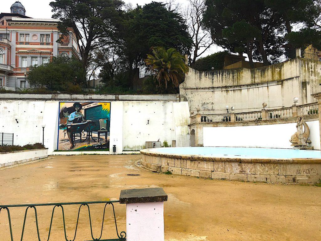 Jardim do Torel - vijver met zeemeermin