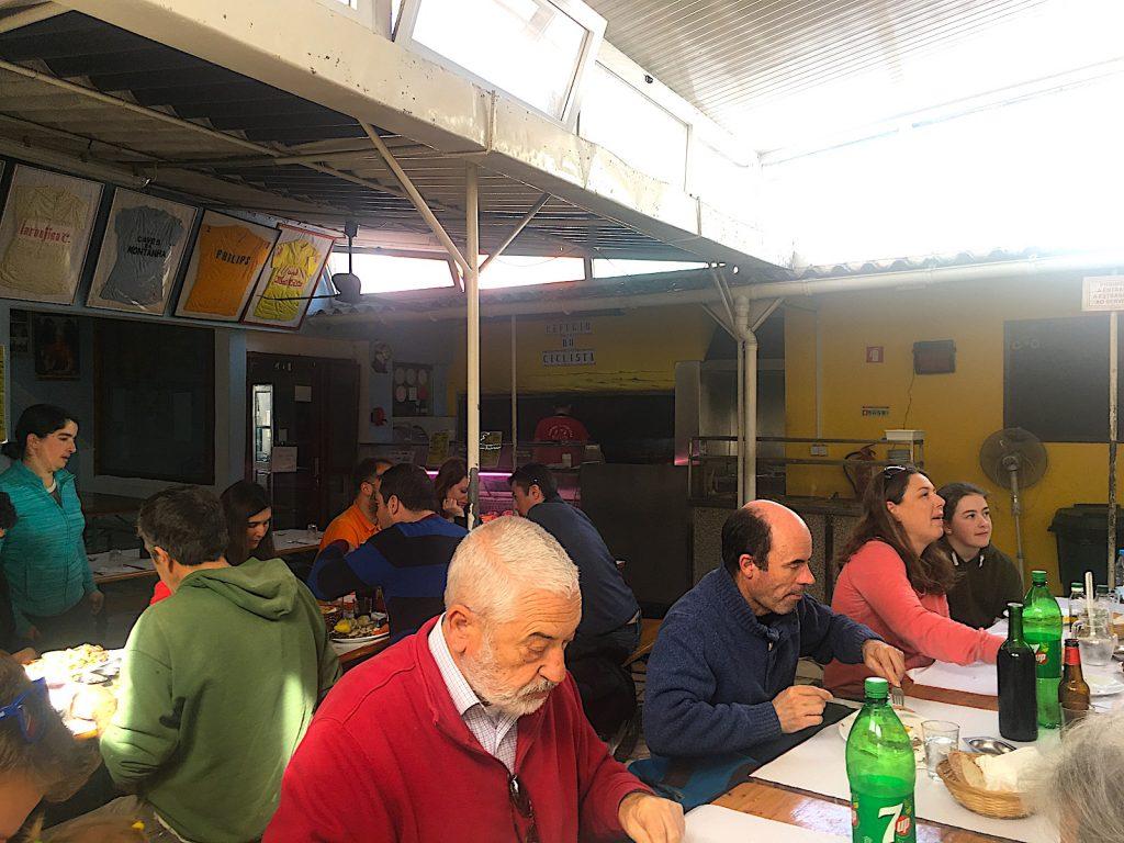 Refugio - lange tafels